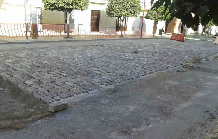 El Ayuntamiento decide suspender la reurbanización de la calle San Fernando para poder culminar La Corredera