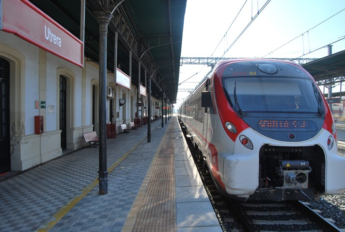 Utrera y Lebrija, a menos de una hora de la playa en tren