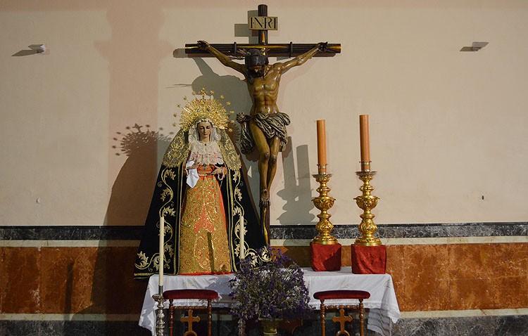 Las imágenes de la hermandad de los Estudiantes, trasladadas a la basílica por reformas en la capilla del Carmen