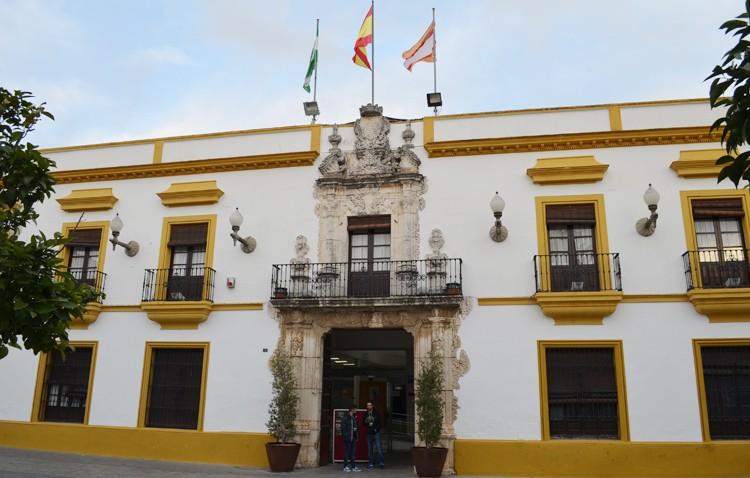 La reordenación del presupuesto municipal libera un millón de euros para paliar los efectos de la crisis del coronavirus en Utrera