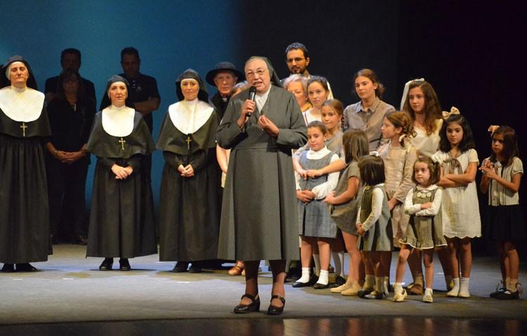 El espíritu salesiano inunda el teatro de Utrera con la visita de la madre general de las Salesianas