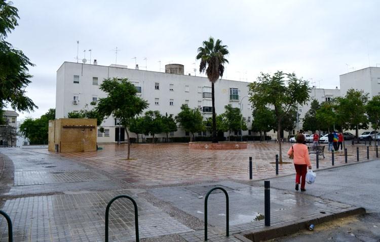 Un dispositivo policial parar frenar los comportamientos incívicos en la barriada El Tinte