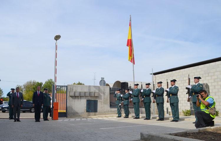 El secretario de Estado de Seguridad conoce las «magníficas instalaciones» de la Guardia Civil de Utrera (IMÁGENES)