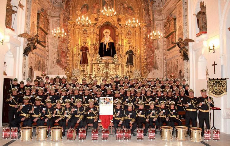 La banda de la Vera-Cruz celebra sus 35 años con un gran concierto junto a Tres Caídas y Las Cigarreras