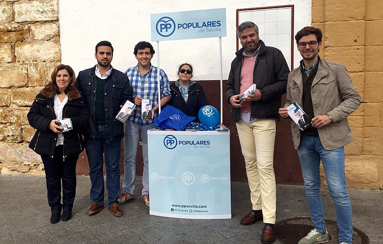 El PP pide en Utrera la confianza de los jóvenes «para seguir creciendo»