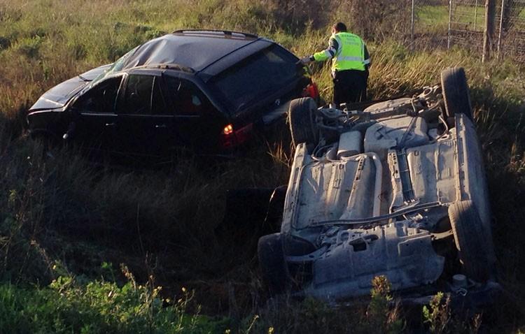Varios heridos en un accidente múltiple por un adelantamiento en la carretera de Utrera a Los Palacios