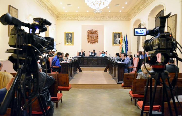 El PP se queda solo en la defensa de una comisión para el seguimiento de las mociones aprobadas por el pleno