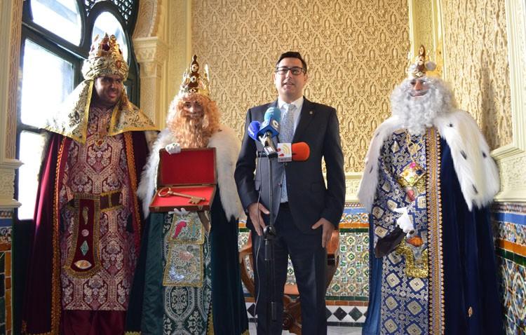 Sus Majestades de Oriente ya tienen la llave de la ciudad de Utrera (IMÁGENES)