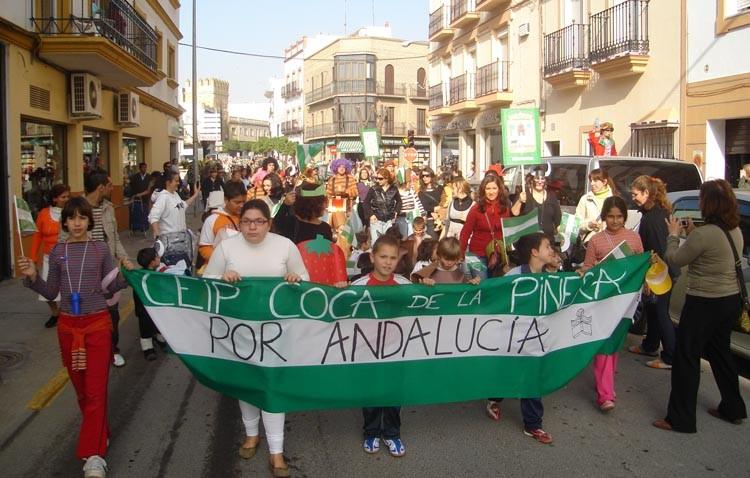El colegio Coca de la Piñera conmemora el Día de Andalucía recuperando su cabalgata
