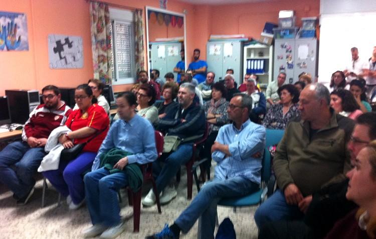 Gran éxito de asistencia a la primera charla informativa de orientación laboral organizada por Apdis