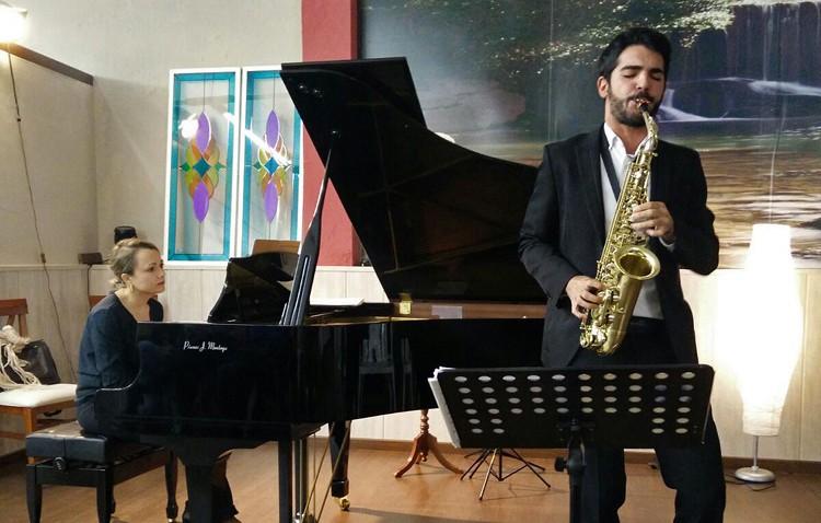 El joven saxofonista utrerano Manu Brazo, en la tercera mejor universidad del mundo de las artes escénicas