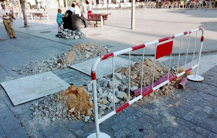 La plaza del Altozano, «tres o cuatro días» cortada al tráfico para instalar los nuevos bolardos