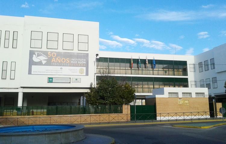 El instituto Ruiz Gijón denuncia la eliminación del tiempo de preparación de los proyectos bilingües