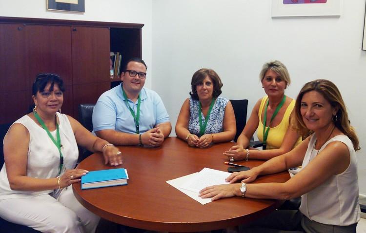 El PP reclama en el Parlamento de Andalucía una solución al transporte de los enfermos de alzheimer de Utrera