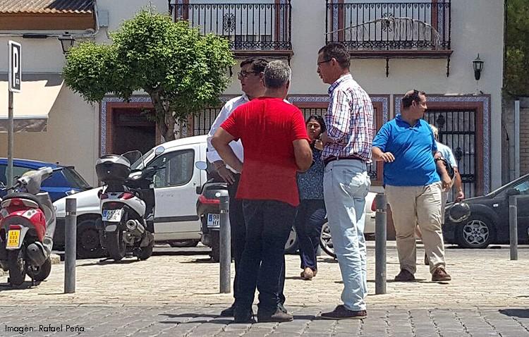 La presión de los taxistas lleva a Villalobos a tomar medidas para instalar la marquesina