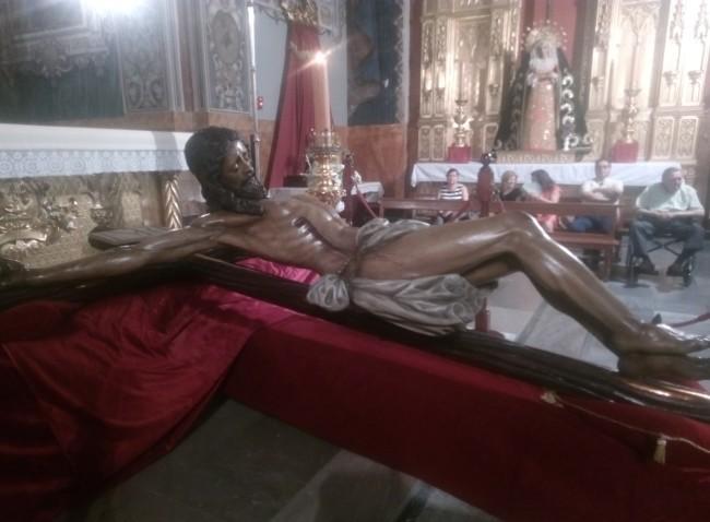 Regresa a la capilla del Carmen la imagen restaurada del Cristo del Amor