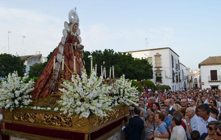 Utrera se reencuentra con su historia ante la Virgen de la Mesa (IMÁGENES)