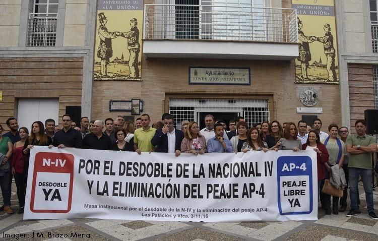 Cientos de personas exigen en una concentración el desdoble de la N-IV