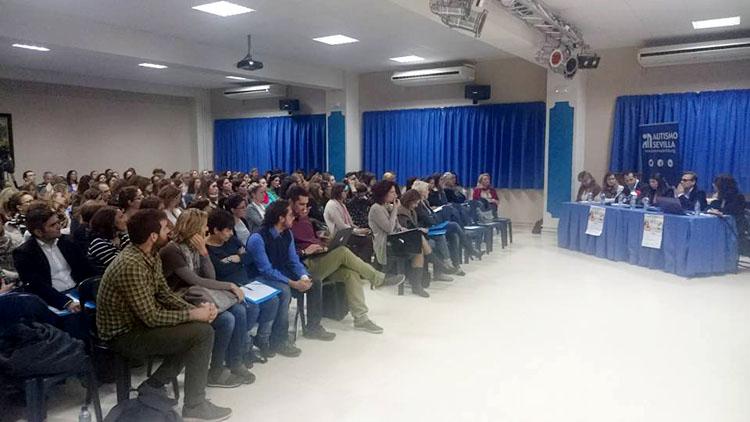 Más de 200 personas participan en la jornada provincial sobre trastornos del espectro del autismo celebrada en Utrera