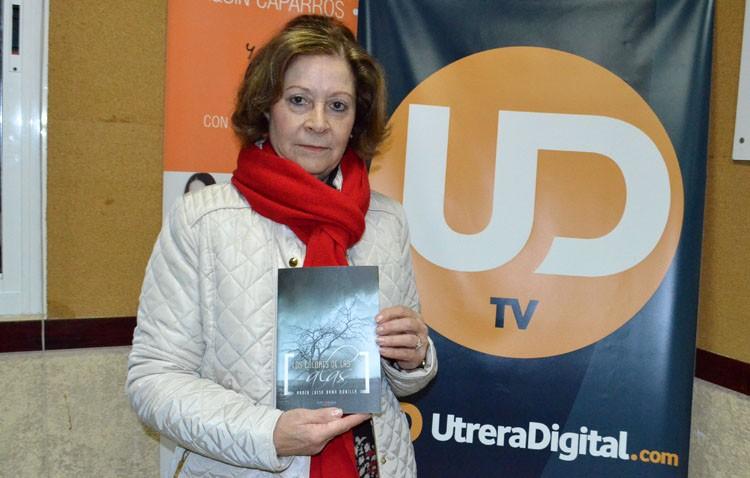 La utrerana María Luisa Dana presenta su libro «Los colores de las alas»