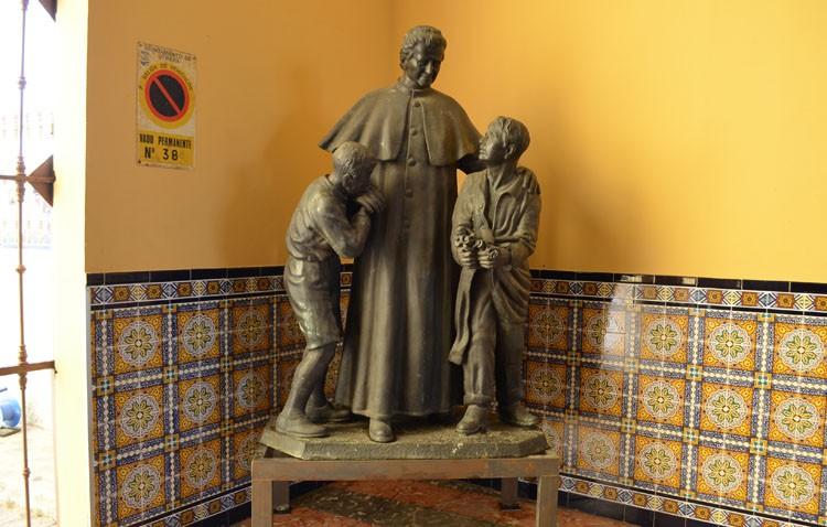 Don Bosco vuelve a casa durante las obras en la glorieta Pío XII
