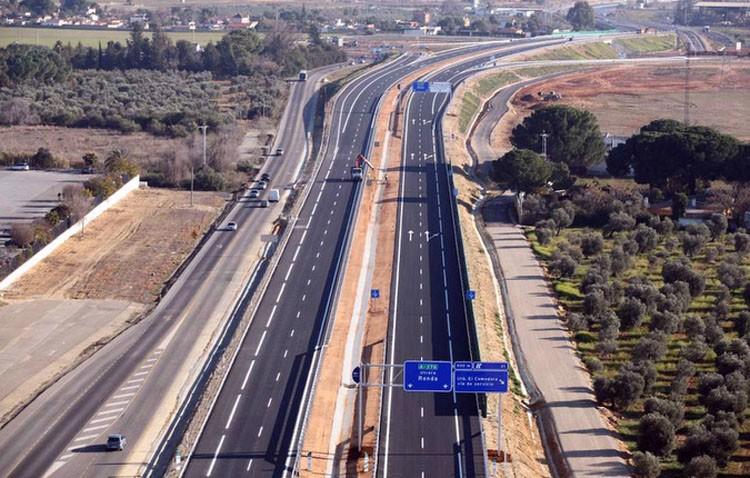 Un kamikaze siembra el pánico circulando varios kilómetros en sentido contrario por la autovía Sevilla-Utrera
