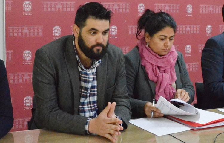Carlos Guirao (IU) se niega a pronunciarse sobre la contratación del marido de la edil de Recursos Humanos (AUDIO)
