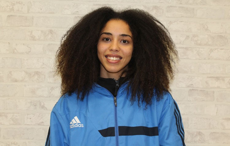 Fedua Sbai, la boxeadora utrerana que sueña con representar a España en los Juegos Olímpicos