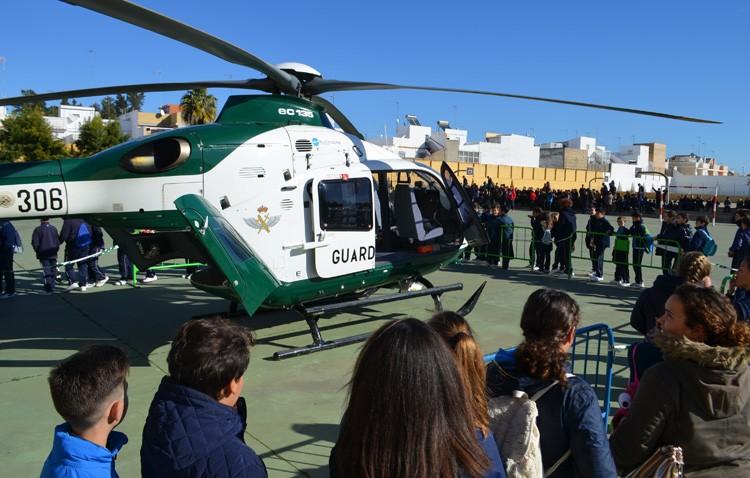 Más de 1.500 estudiantes descubren el trabajo de la Guardia Civil (IMÁGENES)