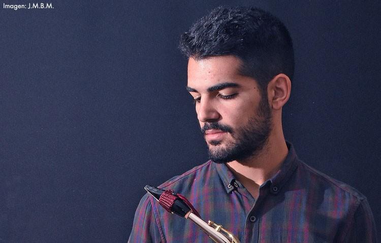 El saxofonista utrerano Manu Brazo interpretará a Henri Tomasi con la Orquesta Sinfónica Conjunta de Sevilla