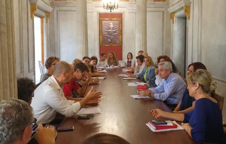 Una reunión para informar a asociaciones y ciudadanos sobre los presupuestos participativos