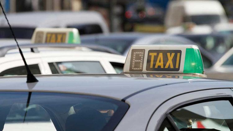 La Fiscalía pide cárcel e inhabilitación para los taxistas de Sevilla que persiguieron a varios compañeros de Utrera