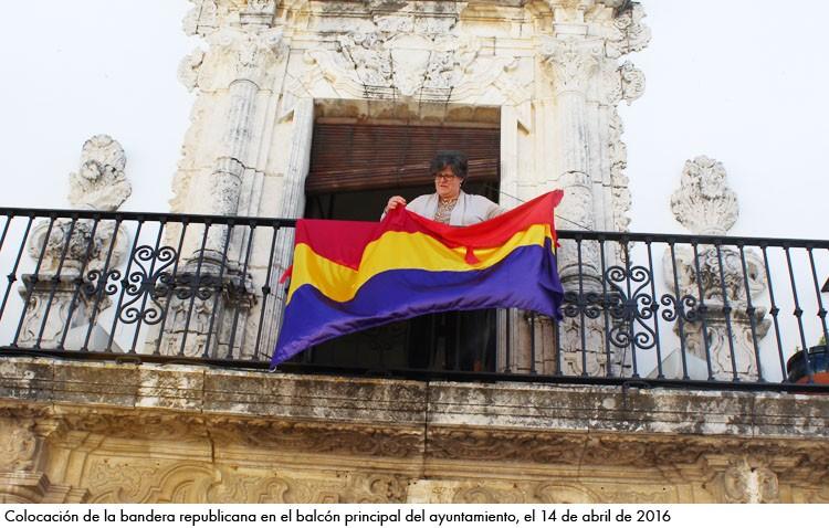 La asociación «Construyendo RedPública» pide que la bandera republicana ondee en el ayuntamiento y en la entrada a Utrera