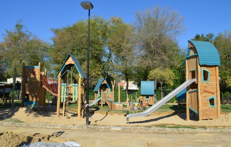 El parque de Consolación estrena su zona de juegos infantiles, con un coste de 300.000 euros