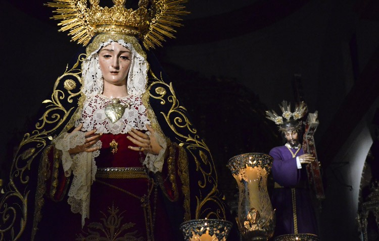 La Virgen de las Angustias preside este viernes su corona dolorosa