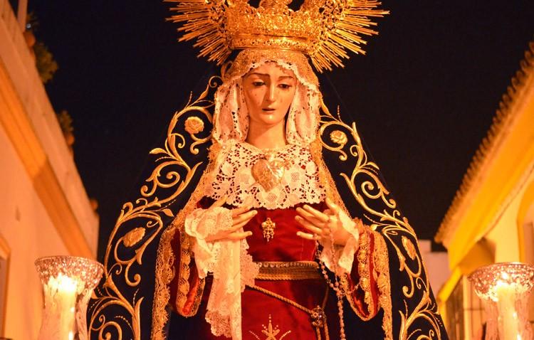 La Virgen de las Angustias preside este viernes su corona dolorosa como cierre de la Cuaresma en Utrera