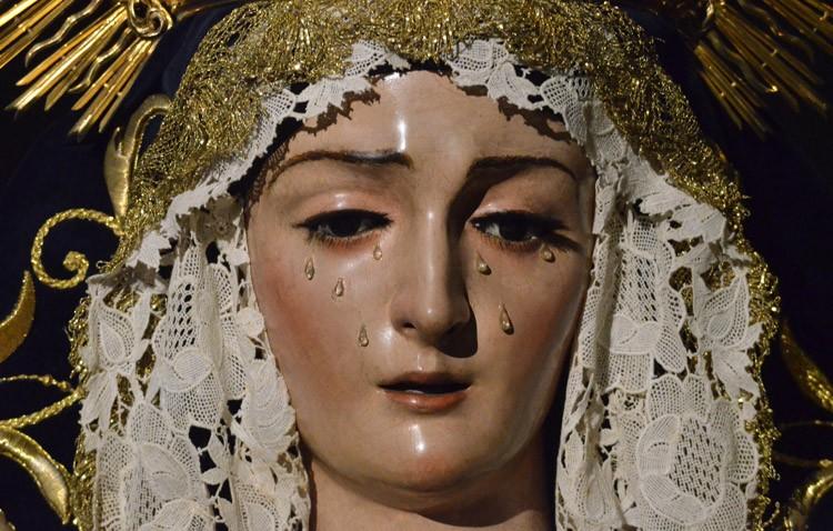 La hermandad de Jesús Nazareno celebra a puerta cerrada los cultos en honor a la Virgen de las Angustias