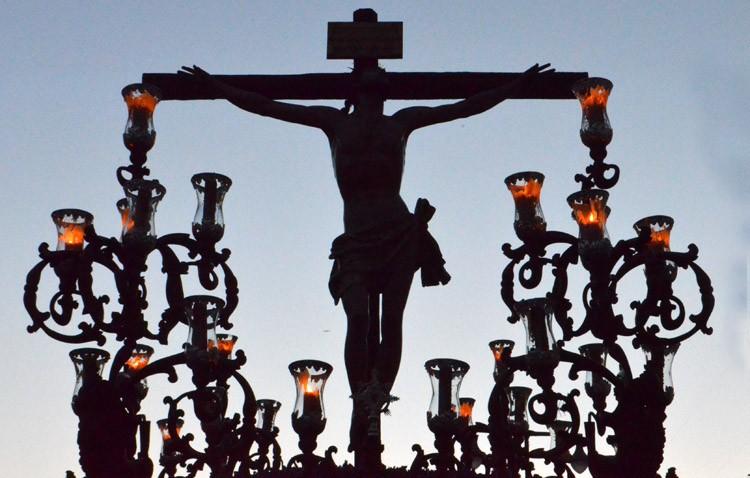 De Consolación al cielo: un Lunes Santo soñado con el Cristo del Perdón y la Virgen de la Amargura (GALERÍA Y AUDIO)