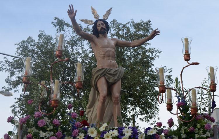 «Quizás podamos ver procesionar al Resucitado desde la parroquia de Santiago en un par de años»