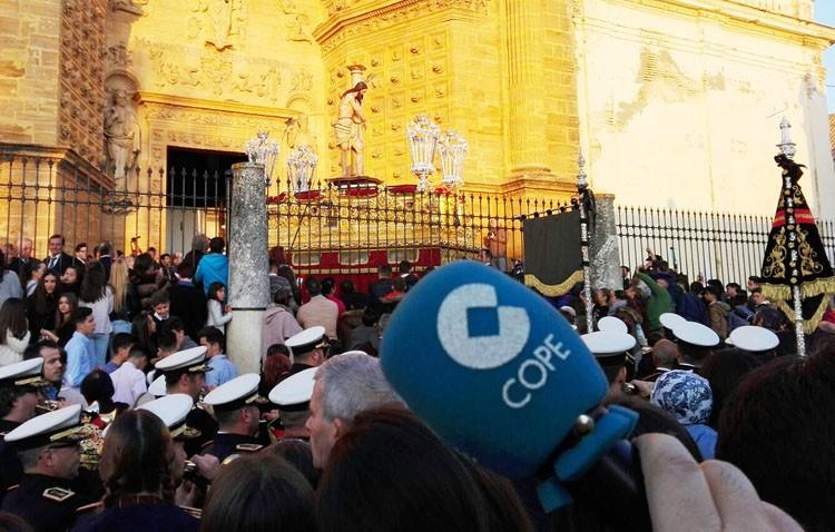 COPE Utrera (98.1 FM) prepara su «Transistor cofrade» para narrar en directo toda la Semana Santa
