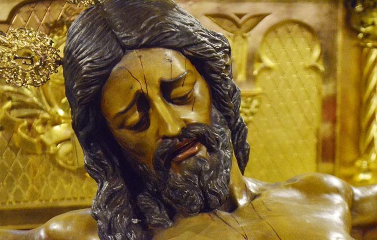 La hermandad de los Estudiantes celebra los cultos en honor al Cristo del Amor