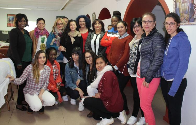 Cáritas de Santiago imparte cursos de camarera de piso con prácticas en hoteles de cuatro y cinco estrellas