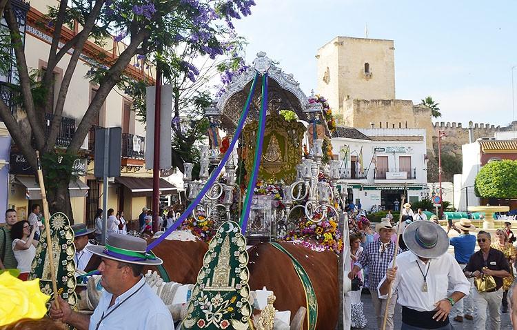 Utrera acaricia el sueño de rezar ante la Blanca Paloma (GALERÍA)