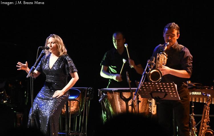 Dos utreranos en el concierto de la cantaora onubense Rocío Márquez