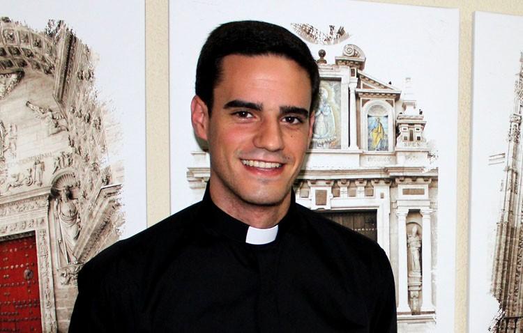 Primera misa de Carlos Romero en Utrera como sacerdote