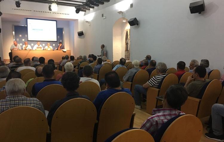 El Ayuntamiento deja sin inversiones al Club Deportivo Utrera