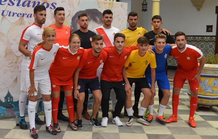Puesta de largo para las nuevas equipaciones del Club Deportivo Utrera