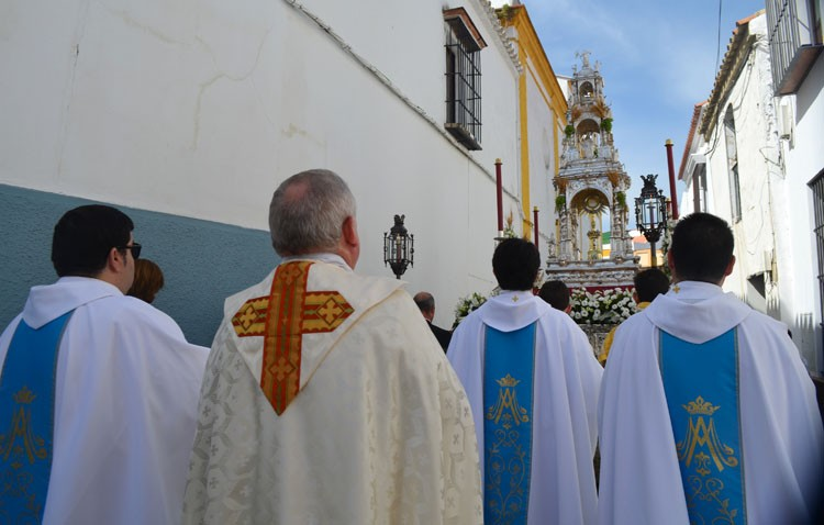 El sofocante calor monopoliza un Corpus Christi histórico (GALERÍA Y VÍDEO)