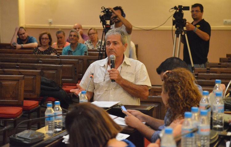 Villalobos retira la palabra a un utrerano que intentaba hacer su pregunta en el «escaño ciudadano» (AUDIO)