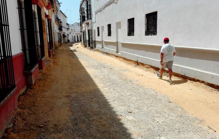 La obra de la calle Catalina de Perea acabará «a finales de junio o principios de julio»